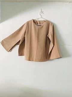 🚚 Cape bell sleeve top