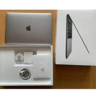 "MacBook Pro 15"" Touchbar - i7 2.2GHz 6 CORE / 256GB"