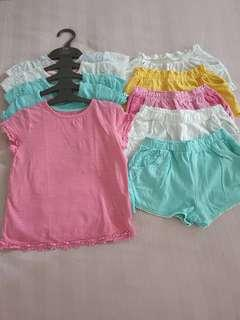🚚 Girl top and shorts
