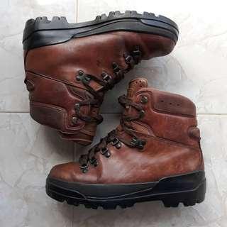 Sepatu Timberland World Hiker Waterproof Boots Original made in Italy
