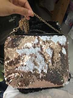 🚚 Sequined sling bag