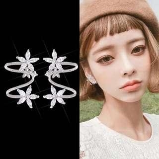 <free pos 3 pairs & above> Korean design floral earrings