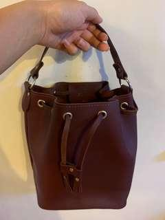 Made in England real leather bag 99% new