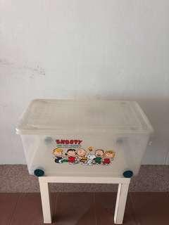 Huge Storage Box ( SNOOPY AND HIS FRIENDS )
