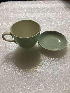 🚚 陶瓷象牙色小茶杯