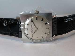 Lucien Piccard~ Swiss Made~瑞士制~Automatic 機械自動,约30mm,Boy Size, NOS New Old Stock,  全新庫存品,行走正常,約50s至60s年代生產,有原盒,十分漂亮古董錶。ref: 14478