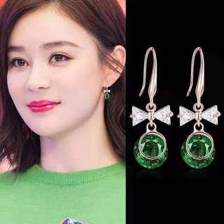 <free pos 3 pairs & above> Korean design green crystal earrings with ribbon