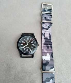 Special URBAN CAMO Pattern Military Style Watch