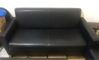 🚚 3 seater black sofa