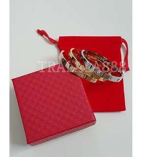 🚚 Love Diamond Bangle Bracelet