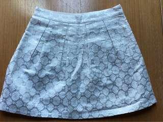 BN Hollister jacquard skirt
