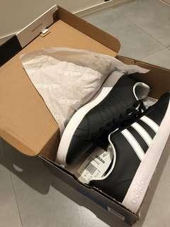 Adidas 男裝黑色波鞋