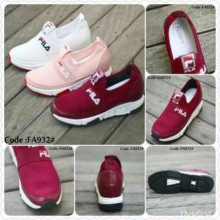 Sepatu Sneakers Fashion Fila FA932#  Size : 36-40 Quality : Semi Premium Material : Kanvas + PU Leather Color : White, Peach, Maroon Func : Pemakaian Sehari-hari Weight : 700 grams  Size 36-4,no.wa.081378713287