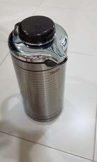 Tiger Airpot /  thermal flask / vacuum flask 1.9 litre