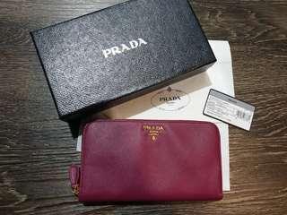 🚚 Prada Wallet
