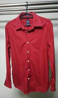 Rarely used GAP red shirt size S