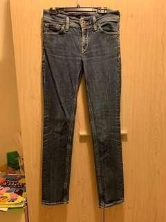 Levi's 28吋中低腰牛仔褲