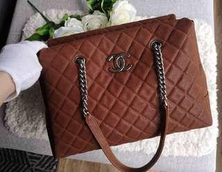 Cheapest $2500! Full Set BN Chanel Tote