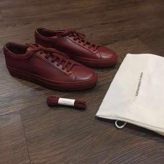 Common Projects Achilles Low in Brick Sneakers