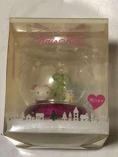 Hello Kitty 日本限定 聖誕節玻璃水晶球 可發光 Sanrio 擺設 珍藏 2013