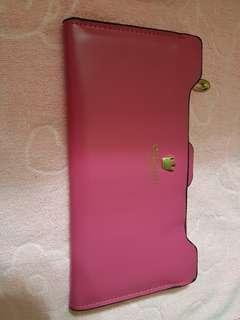 Crown long pink wallet.