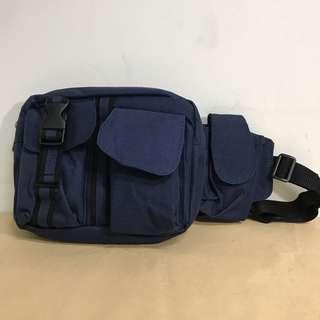 🚚 深藍色腰包