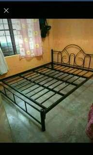 Bedframe 60*75 frame only