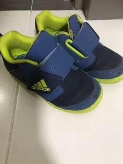 🚚 Adidas Shoes - size 8k