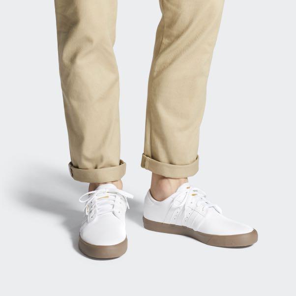 bostezando testimonio controlador  ADIDAS SEELEY WHITE GUM SOLE, Men's Fashion, Footwear, Sneakers on Carousell