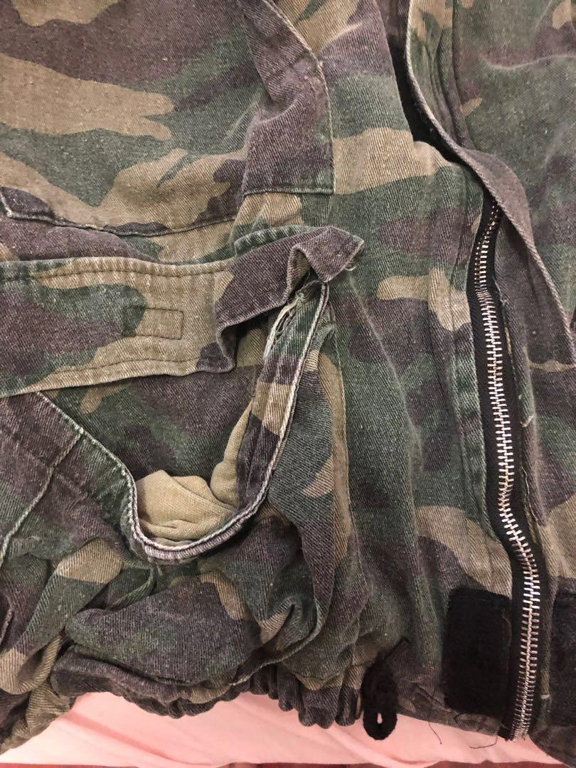 oversized multi- pockets camo army jacket in washed colour