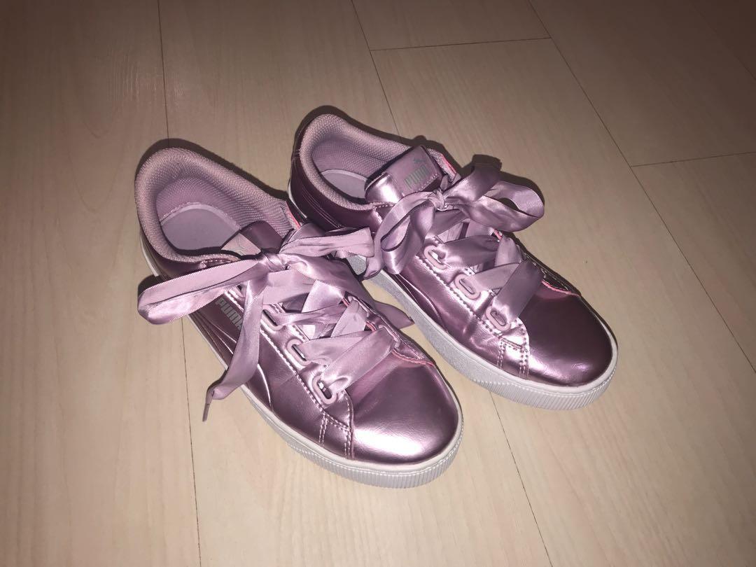 the best attitude 94bb7 daced PUMA basket heart patent purple, Women's Fashion, Shoes ...