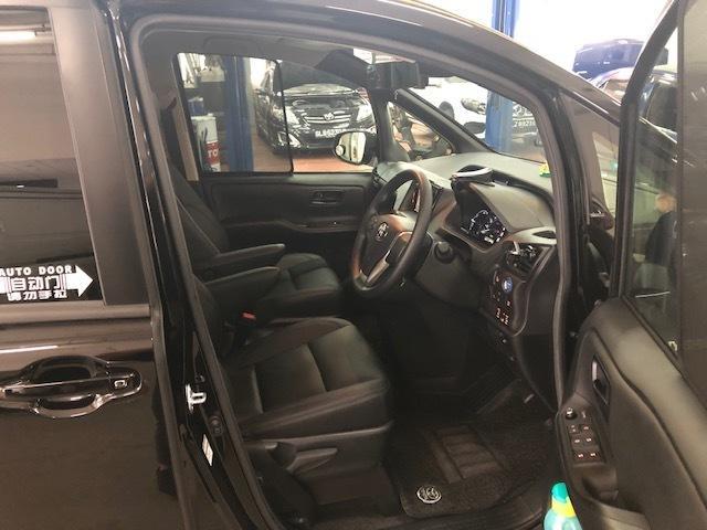 Toyota Noah Hybrid(NEW) $525-$600/wk