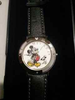 🚚 NEW AND UNUSED! official Japan Disney Store Mickey Mouse Happy Birthday 3D Watch (with unique serial number)