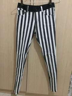 Stripe Pants / Celana Black and White