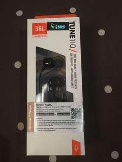 JBL T110 in ear earphone with microphone & flat cabel