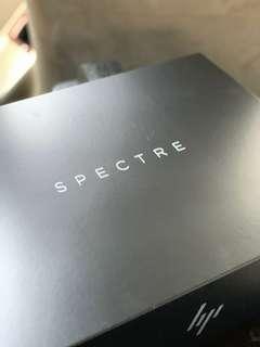 HP Spectre Folio 2019