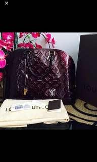 Louis Vuitton alma vernis GM amarante