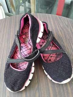 Authentic Skechers Girl's Shoes Sz US13/19cm