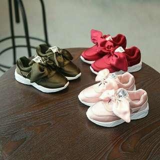 🚚 💎 Kids Big Bow Sneakers 💎