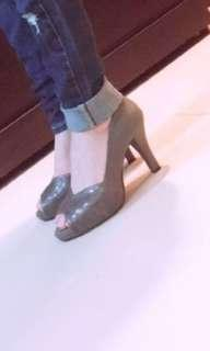 🚚 灰藍高跟鞋