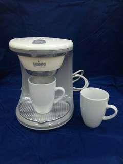 🚚 就愛這一杯**美式咖啡机**【無彩盒 】SAMPO聲寶雙杯份咖啡機(附二個馬克杯)HM-L11021AL