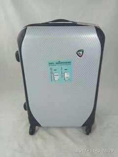 全新福利特價品**20吋義大利Mia Toro可擴充行李箱