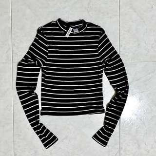 🚚 H&M Basic Striped long-sleeved top