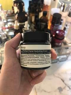 🚚 Perfect Facial Hydrating Cream