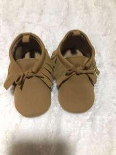 🚚 Old navy kids shoes
