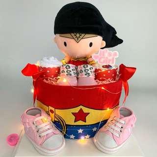 🚚 Wonder Woman Baby Diapers Cake