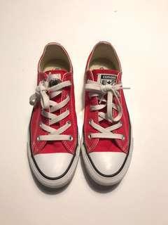 Low cut Converse