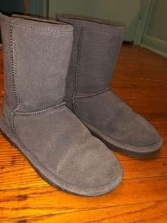 Softmoc Grey UGGS sz 7