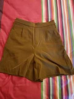 🚚 Uniqlo shorts