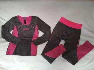Setelan baju senam pink